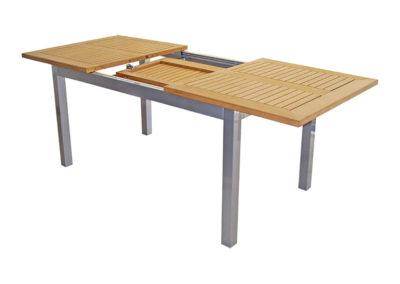 Mesa Extensible de estructura de Aluminio y tapa Pollywood teca. Medidas: 1.50 a 2.10 x 90 mts.